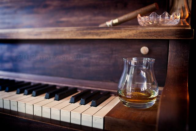 Piano & Viski