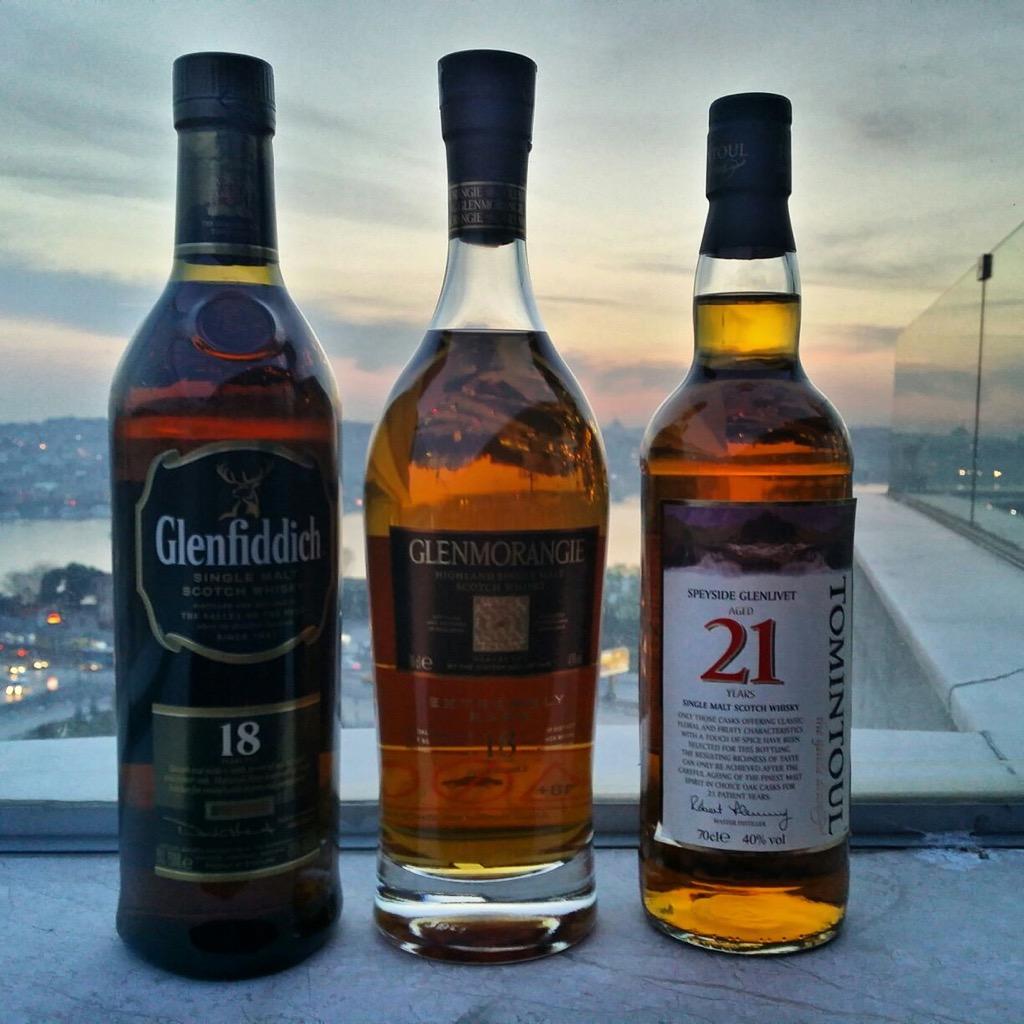 İstanbul Viski Dostları 18 Yaş Viskiler
